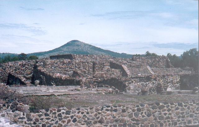 H_teotihuacan_ruines_1