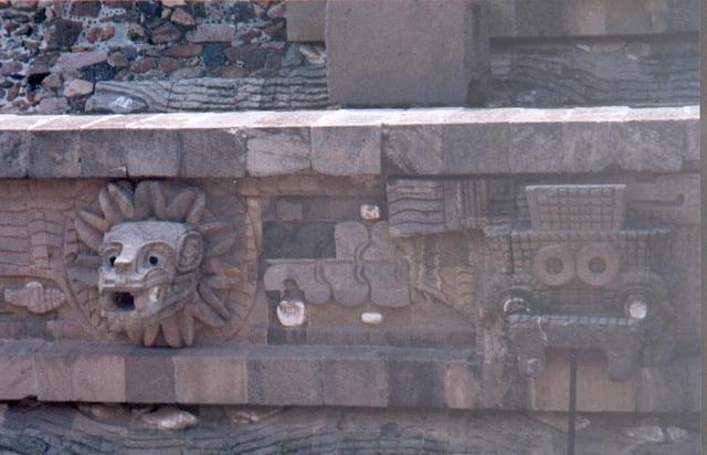 H_teotihuacan_scultures_1